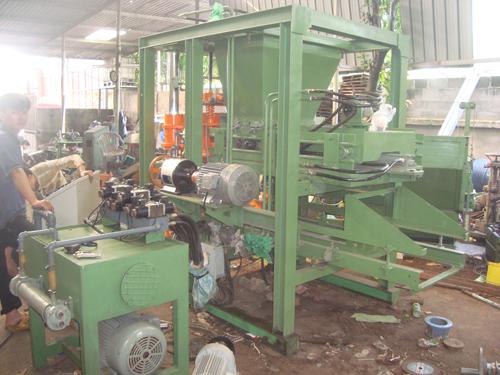 DSC02398 Để mở một nhà máy làm gạch block  bạn cần gì